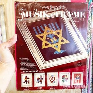 Musik Frame Menorah Candle Needlework Hanukkah Art